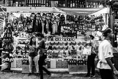 41 Mercadão (faneitzke) Tags: portfolio canon canont5eos1200d canont5 sãopaulo sp sampa brasil brazil brésil américadosul américalatina southamerica latinamerica ameriquelatine latinoamérica americadelsur sudamerica mercadomunicipal mercadão mercado citymarket marché centro centrovelho blackwhite blackandwhite noiretblanc blancoynegro pretoebranco pb bw bn monocromático monochromatic monochromephotography monochromaticphotography