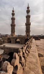 Minaretes (Perurena) Tags: minaretes llamada oracion mezquita mosquee lugardeculto arquitectura barandilla piedra stone cielo sky nube cloud elcairo egipto
