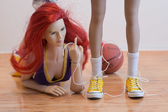 Maestro Toys Basketball Cheerleader Outfit (edwicks_toybox) Tags: 16scale lakergirl maestrotoys tbleague cheerleader femaleactionfigure kimitoys phicen seamlessbody sneakers