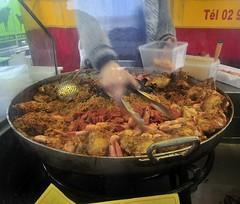 Paella al mercato... (rana63...) Tags: francia food pesce france bretagna riso bretagne dinard mercato fish colori colors cucina cucinare mangiare streefood