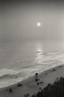 Sunrise over the Sea of Japan (Nikon F2s, Kodak Tri-X 400, Tetenal Ultrafin)