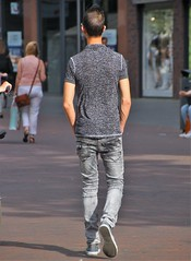 IMG_4773 (Skinny Guy Lover) Tags: outdoor people candid casualclothes dressedcasually guy man male dude walking back grayjeans greyjeans skinny slender glasses