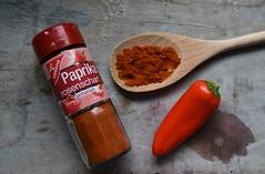 Küchenshooting 24 (fotomänni) Tags: stilleben stilllife stillife küche kitchen manfredweis gewürze spices red rot rouge rosso rojo
