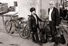 Duet (Tom Levold (www.levold.de/photosphere)) Tags: fuji fujixpro2 isfahan xf18mm sw bazaar bw basar esfahan porträt männer portrait men people candid
