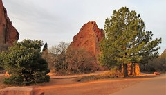 A Little Light on the Subject (Patricia Henschen) Tags: nationalnaturallandmark city park citypark colorado coloradosprings gardenofthegods redrocks rock formations mountain mountains frontrange rampartrange urban clouds winter pathscaminhos centralgarden morning light