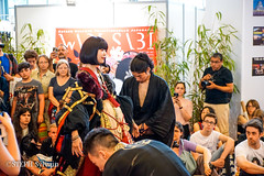 Japan Expo 2017 4e jrs-180 (Flashouilleur Fou) Tags: japan expo 2017 parc des expositions de parisnord villepinte cosplay cospleurs cosplayeuses cosplayers française français européen européenne deguisement costumes montage effet speciaux fx flashouilleurfou flashouilleur fou manga manhwa animes animations oav ova bd comics marvel dc image valiant disney warner bros 20th century fox star wars trek jedi sith empire premiere ordre overwath league legend moba princesse lord ring seigneurs anneaux saint seiya chevalier du zodiaque