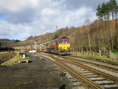 66102 on autoballasters arrives Levisham 31Jan18