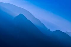 Blaue Stunde am Gardasee (Wolfgang's digital photography) Tags: dunst farbe blau nikond5300
