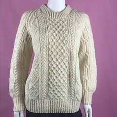 Hand knit aran wool sweater (Mytwist) Tags: stunning2me vtg glenairn handknit ireland 100 new wool cable aran knit fisherman sweater jumper donegal mytwist irish dublin cabled pattern old passion style jersey laine aranstyle authentic design fashion fetish craft chunkysweater bulky grobstrick retro timeless handgestrickt handknitted unisex honeycomb winter casual weekend weekendsweater tweed