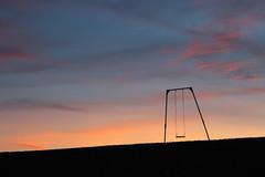 Atardecer en Cabo Raso (arena.rodrigo) Tags: hamaca mar azul cabo raso chubut patagonia argentina paz cielo agua playa océano bahía hammock sea sky atardecer naranja orange puesta de sol