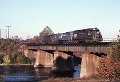CR 3020-2766-2673 HB-8, Allentown, PA. 10-21-1978 (jackdk) Tags: train railroad railway conrail cr reading allentown allentownpa bridge trestle freighttrain freight hb8