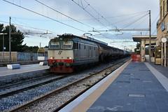 E652 036 Tigre (luciano.deruvo) Tags: cisternegas trenomerci e652036 mir stazione bari locomotiva fs trenitalia ferroviedellostato