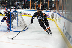 "Kansas City Mavericks vs. Toledo Walleye, January 20, 2018, Silverstein Eye Centers Arena, Independence, Missouri.  Photo: © John Howe / Howe Creative Photography, all rights reserved 2018. • <a style=""font-size:0.8em;"" href=""http://www.flickr.com/photos/134016632@N02/28060651539/"" target=""_blank"">View on Flickr</a>"