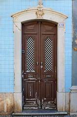 Jammed (TablinumCarlson) Tags: portugal algarve الغرب europa europe küste atlantik atlantic leica tür door entry blue blau haus house tavira architektur dlux 6 faro gilão dlux6 176