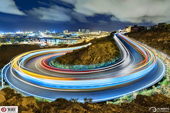 Disco Road (Using Livecomposite in an Olympus E-M1 Mark II) (Alesfra) Tags: alesfra alesfrafotografia alesfraphotography alesfracom anochecer cielo dusk foto grancanaria landscape laspalmas light livecomp luz markii mft mirrorless olympus olympusem1markii olympusomdem1markii omd paisaje panasonic panasonicleicadgvarioelmarit818mmf2840asph photo sinespejo wwwalesfracom filtrolee leefilter filtrond ndfilter leefilter09ndsoftgrad 3stops albertojespiñeirafrancés bridge puente atardecer highway carretera city ciudad car coche tráfico sky nube cloud composición composition line línea driving traffic lighttrail sea mar architecture arquitectura mountain montaña guanarteme albertojespiñeirafrances disco road concrete curve curva acción action movement movimiento spain españa horseshoe