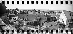 2017-08 - 093SR_07 (sarajoelsson) Tags: sprocketrocket blackandwhite bw panorama panoramic sprocketholes digitizedwithdslr toycamera ilford 135 35mm hp5 monochrome plasticlens filmphotography filmisnotdead believeinfilm filmshooter film wideangle lomography lomo xtol teamframkallning bnw svartvitt blackwhite sweden 2017 summer summertime gotland vacation august visby