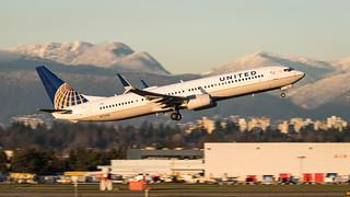 N77430 - United Airlines - Boeing 737-924/ER