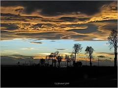 November twilight (T.S.Photo (Teodor Sirbu)) Tags: twilight dusk autumn lowlight colors canon g9 canong9 blue gold golden dark contrast clouds nuages turqoise compactcamera smallsensor landscape evening soir sera travelphotography romania roumanie rumanien