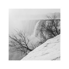 (schan-photography.com) Tags: canoneos5dmarkii sigma50mmf14dghsmart landscape monochrome bw blackandwhite niagarafalls falls water mist 50mm f14 sigma square