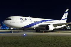 4X-EAR EL AL Israel Airlines Boeing 767-352(ER) (buchroeder.paul) Tags: zrh lszh zurich airport switzerland europe night ground 4xear el al israel airlines boeing 767352er