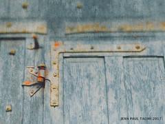 Porte des secrets (JEAN PAUL TALIMI) Tags: jeanpaultalimi architecture yonne france automne porte rouille ville vieux villeneuvesuryonne