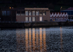 la fariña es el futuro (@jorge_bouzas) Tags: galicia pontevedra redondelacesantes muelle reflejo agua nocturna