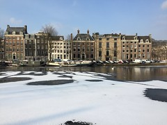 Amstel, last day of february 2018 (rob.brink) Tags: amstel river canal water ice snow white winter amsterdam mokum netherlands nederland holland dutch city urban dock urbanity house gracht rivier boat houseboat