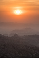 hampi sunrise (sami kuosmanen) Tags: india intia luonto light landscape sky sun värikäs valo vuori maisema mountain nature karnataka hampi taivas rock geology granite bouldering boulder orange oranssi high morning sunrise sunshine