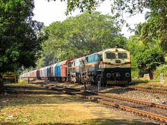 Gooty Multiples Incharge (In Explore) (mohammedali47) Tags: gooty gy emdloco trainspotting railfan indianrailways goa