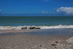Pirate's Smile (Michiale Schneider) Tags: gulfofmexico sand nature waves florida landscape michialeschneiderphotography sanibelisland bowmansbeach beach water