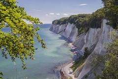Rügen - Nationalpark Jasmund, Kreidefelsen (cmfritz) Tags: deutschland europa inselrügen mecklenburgvorpommern nationalparkjasmund küste strand felsen kreidefelsen beach meer sea