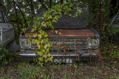KDET (Jacadit, L'empreinte du temps) Tags: opel car abandon abandoned abandonned lost decay decaying verlassen forsaken vanishing france canon toulouse fromthepas from past water