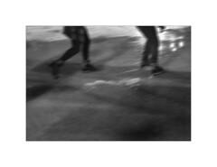 Paris.  2009 (José Luis Cosme Giral) Tags: paris2009 moments bw street couple icerink paris france