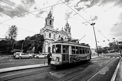 LISBONA (Claudia Celli Simi) Tags: lisbona portogallo 2017 dicembre tram mezziditrasporto basilicaestrela chiesa architettura bw bn biancoenero blackandwhite contrasto monocromo