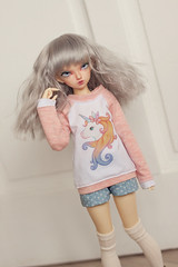Unicorn pink sweater (Plume Blanche Créations) Tags: minifee fairyland rheia kröt appi lünn këte dustofdolls bjd balljointeddoll slimmsd msd doll clothes clothing plumeblanchecreations plume blanche sewing seamstress