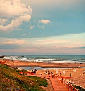 Inexplicablemente, comenzó a llover... Día de playa