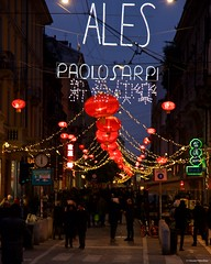 IMGP3275 Red Lamps for the new year (Claudio e Lucia Images around the world) Tags: chinatown chinesenewyear chinesecalendar paolosarpi viapaolosarpi milano redlamps reddistrict redlanterns newyear lights pentax pentaxk5 pentax18135