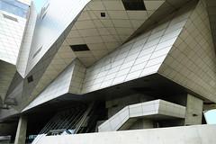 Lyon – Musée des Confluences (Le.Patou) Tags: fz1000 lyon confluence architecture building modern architecte graphique graphic effect urban urbanisme city cité cities cityscape line ligne angle forme shape