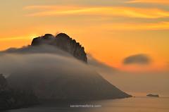 Momentos efímeros (Xavier Mas Ferrá) Tags: momentosefímeros nieblaorogénica puestadesol esvedrá photopills aefona eivissa ibiza sunset mediterraneansea island clouds