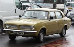 GNG 508K (3) (Nivek.Old.Gold) Tags: 1972 morris marina 13 deluxe 4door