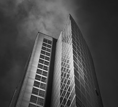 Architecture series - 12 (Dhina A) Tags: sony a7rii ilce7rm2 a7r2 fe 24105mm f4 sonyfe24105mmf4 zoom lens bokeh sharp fine art architecture buildings black white bw belfast