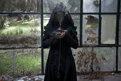 IMG_1999 (m.acqualeni) Tags: manu manuel ginette osef le dieu g shaman cosplay dark urbex maison abandonné house broken fille femme capuche gothique gothic goth