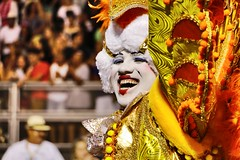 (Fernanda Hadad) Tags: danse dance smile happiness people canon70d canon colors costume travel sambodromo carnaval carnival brazil brasil flickrtravelaward