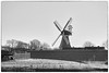 Mühle ( Flickr Pause) (AstridSusann) Tags: ditzum deich ostfriesland mühle zäune baum sw bw mono himmel rahmen gras