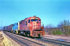 DT&I #208 with an old Rock trailing (rrradioman) Tags: gp38ac emd electromotive 1981 dti 208