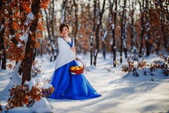 The girl with pears (dontgiveacake) Tags: girl portrait wood winter snow blue dress sun suny daylight natural light fairy tale finesse