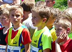 A long wait (Cavabienmerci) Tags: suisse schweiz switzerland run running race sport sports runner läufer lauf course à pied coureur boy boys baldeggerseelauf 2017 hitzkirch