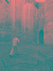 Puerta de las Pesas, Barrio del Albaicín, Granada (Pablo Utrilla) Tags: streetphotography streetphoto street spain square blackandwhite bw bnw albaicin albayzin man monument heritage granada europe españa