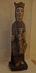 Astorga (León). Museo de los Caminos.Virgen sedente con Niño, siglo XIII. Procede de Truchas de Cabrera (santi abella) Tags: astorga león castillayleón españa museodeloscaminos palacioepiscopaldeastorga