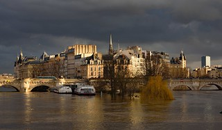 Paris / Ile de Cité / Flood of the Seine / 5